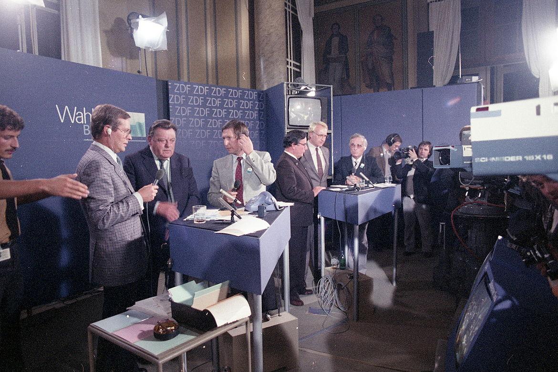 """ZDF-Wahlstudio"" im Konferenzsaal des Maximilianeums, Landtagswahl 1982"