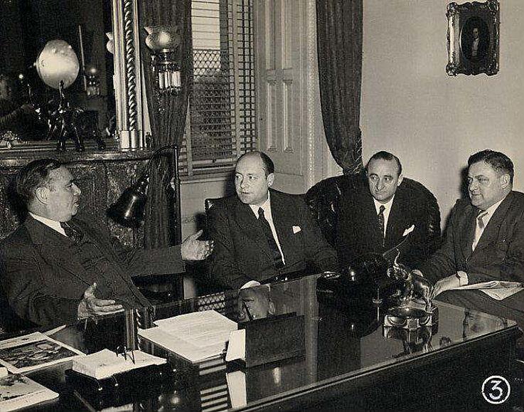 Zusammen mit Hans-Joachim von Merkatz beim Präsidenten des amerikanischen Parlaments während der USA-Reise 1953
