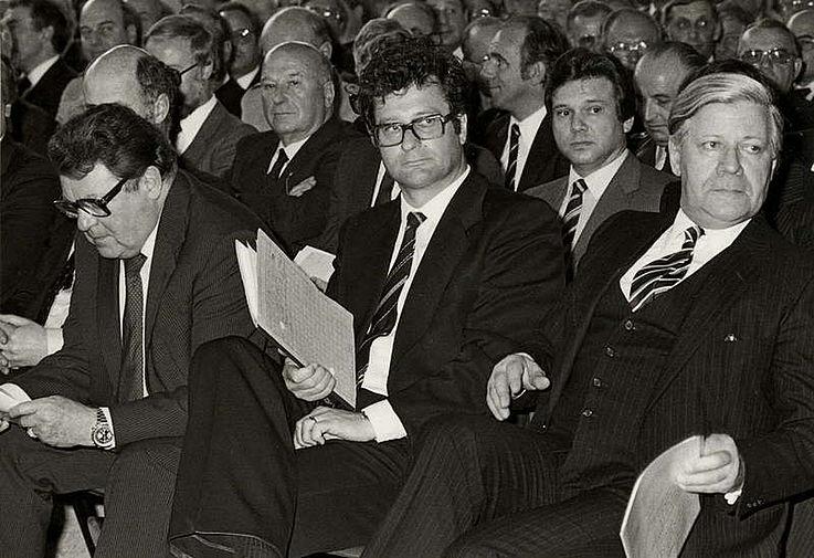 Mit Klaus Kinkel, Präsident des BND, und Bundeskanzler Helmut Schmidt anlässlich des 25-jährigen Bestehens des BND 1981