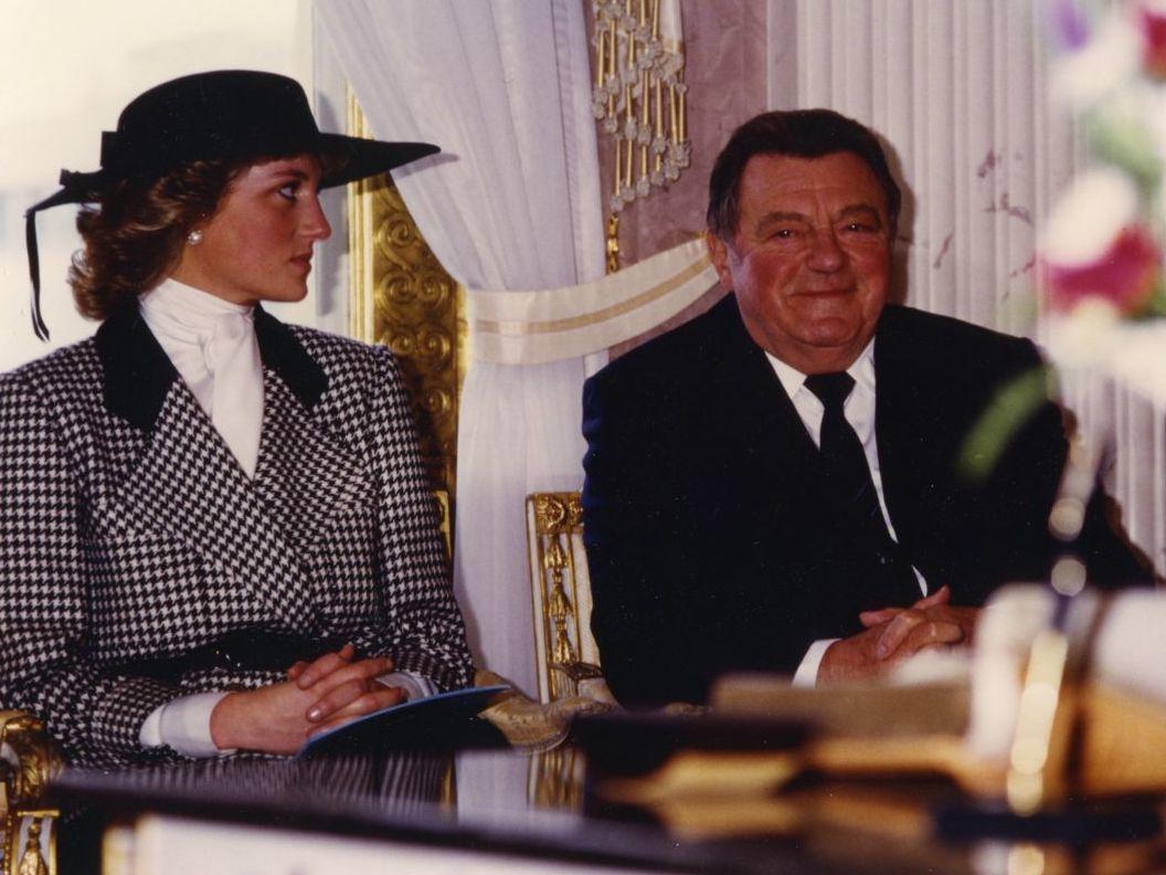 Diana Princess of Wales auf einer Reise durch Deutschland zu Besuch in München 1987