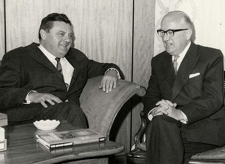 Mit dem Kommissionspräsidenten der Europäischen Wirtschaftsgemeinschaft (EWG) Walter Hallstein 1965