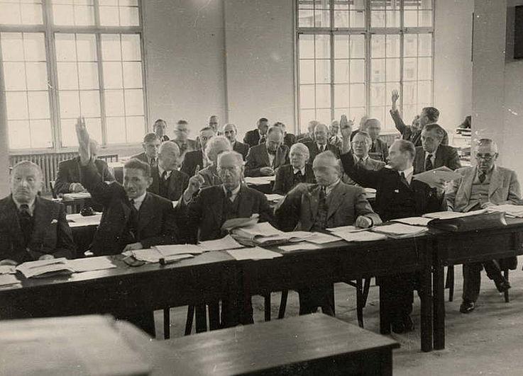 Während einer Sitzung des Wirtschaftsrats der Bizone 1948