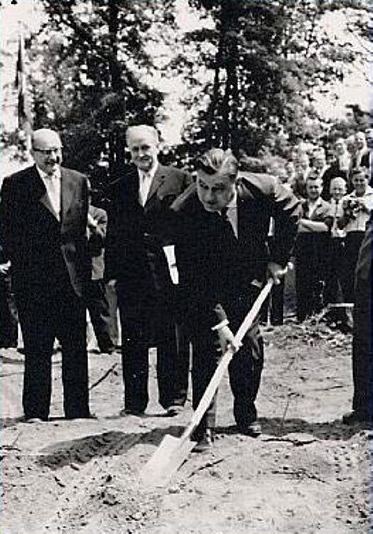Grundsteinlegung für die Deutschen Versuchsanstalt für Luftfahrt in Wahn 1959