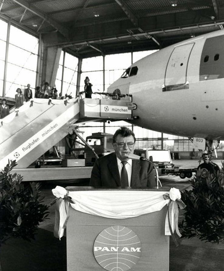 Übergabe des A310 an die Fluggesellschaft PAN AM 1985
