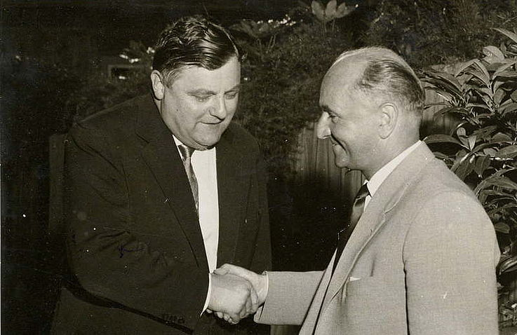 Mit Hanns Seidel während der CSU-Landesausschusssitzung 1958 in Hof