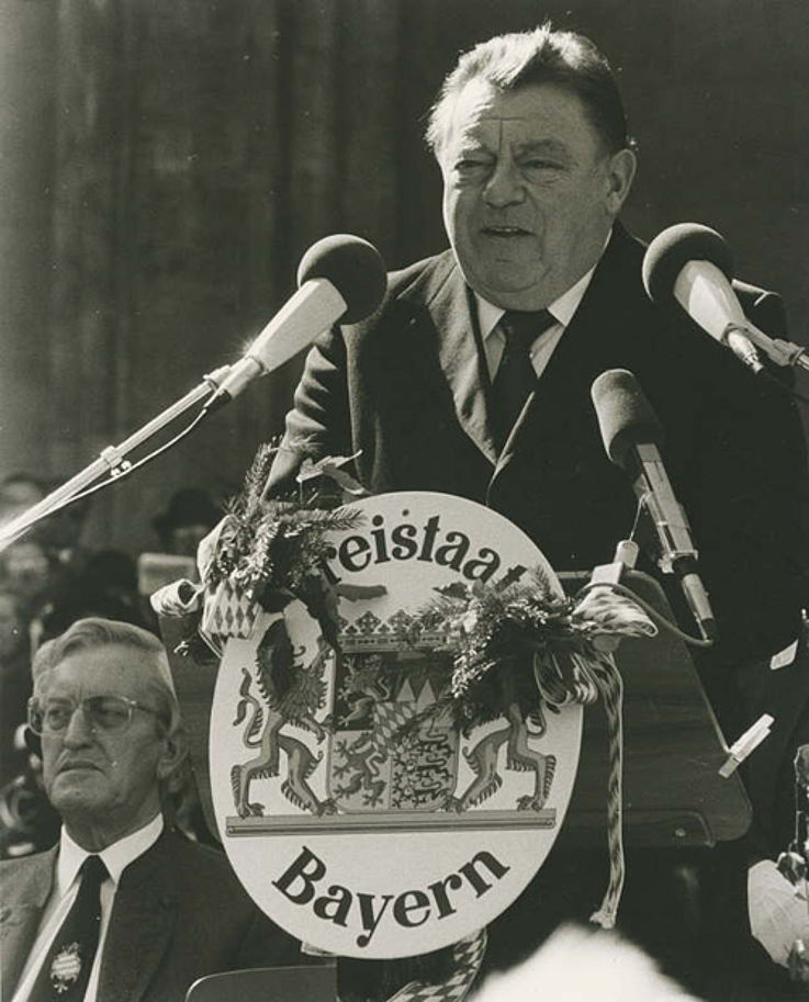 Franz Josef Strauß bei seinem 70. Geburtstag auf dem Münchner Odeonsplatz