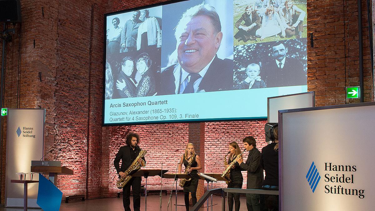 """Saxophonquartett """"Arcis"""" zum 100. Geburstag von Franz Josef Strauß"""