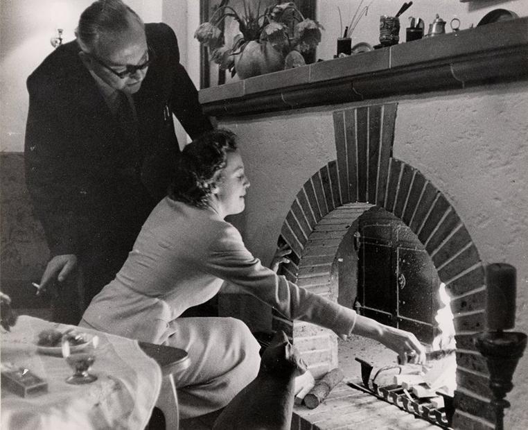 Marianne Strauß mit ihrem Vater Max Zwicknagl 1957